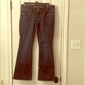 Woman's American Eagle Jeans